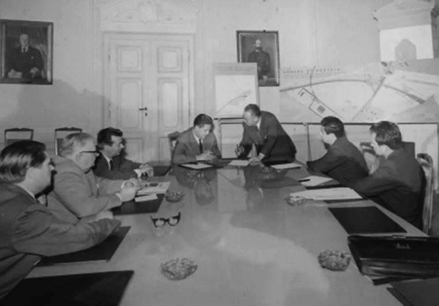 Le due giunte Comunali di Gorizia e Nova Gorica concordano il tracciato e il punto di incontro a Sant'Andrea dell'autostrada da Venezia verso Lubiana – 1966