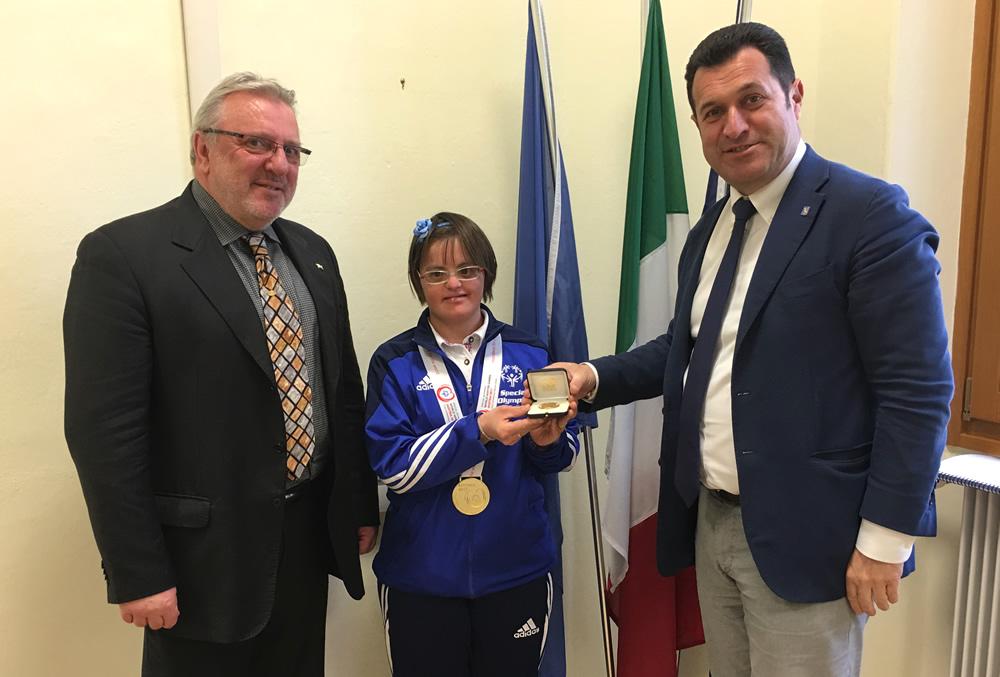 Sigillo del Consiglio regionale a Luisa Polonia, oro mondiale Special Olympic